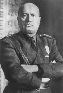 Mussolini mezzobusto